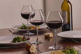 Comment choisir le bon verre à vin